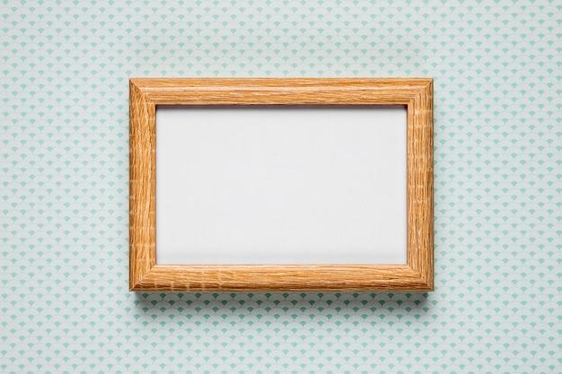 Cornice vuota su sfondo semplice Foto Gratuite