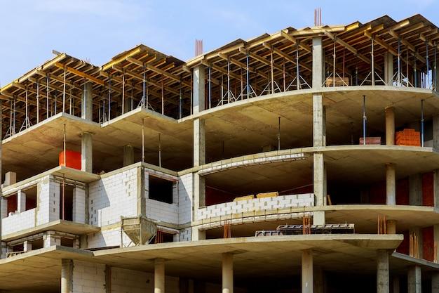 Costruzione edilizia avanzamento del sito in una nuova casa Foto Premium