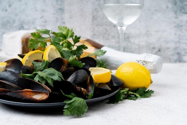 Cozze e champagne mediterranei freschi Foto Gratuite