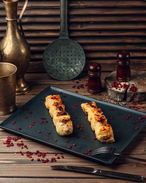 Cucina azera tradizionale di pollo lula Foto Gratuite