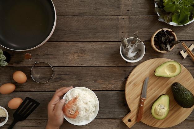 Cucina di avocado hawaii poke bowl Foto Premium