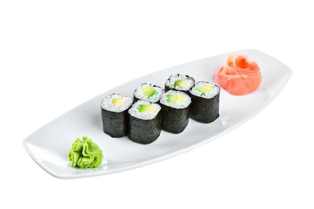 Cucina giapponese - sushi (maguro maki roll shiroy) Foto Premium