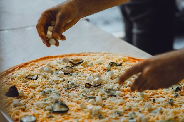 Cucina grande pizza Foto Gratuite