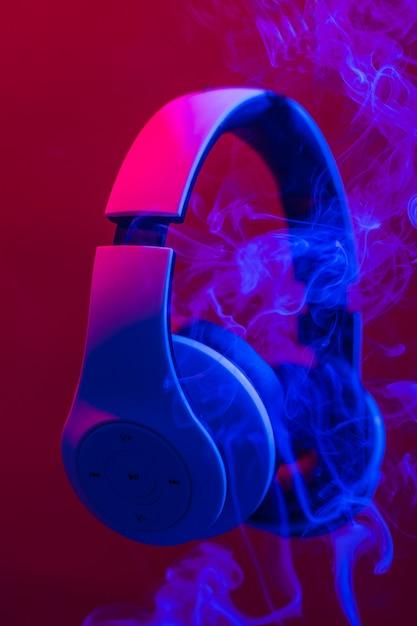 Cuffie per ascoltare musica. Foto Premium