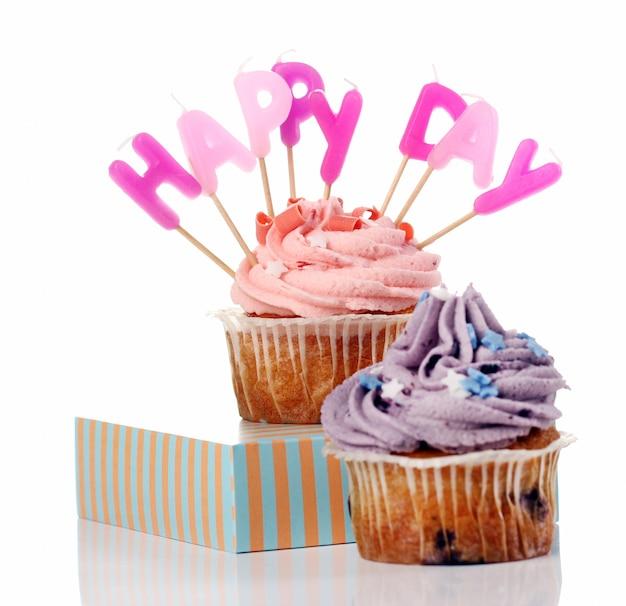Cupcakes di compleanno con questi ultimi colorul Foto Gratuite