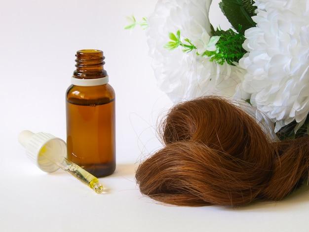Cura dei capelli con olio di argan. Foto Premium