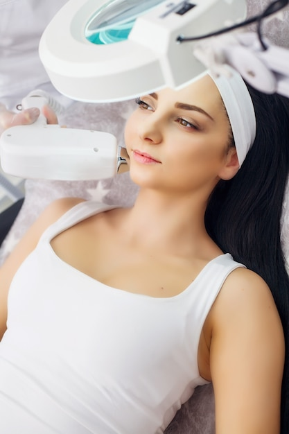 Cura del corpo, depilazione laser, trattamento di epilazione Foto Premium