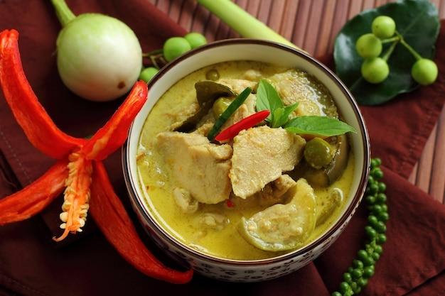 Curry verde Foto Premium