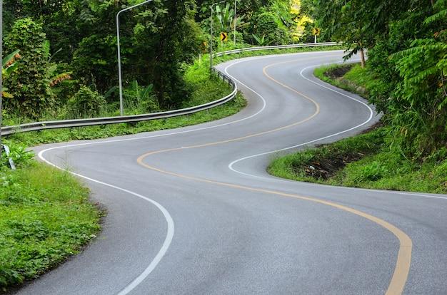 curva-della-strada_35570-360.jpg