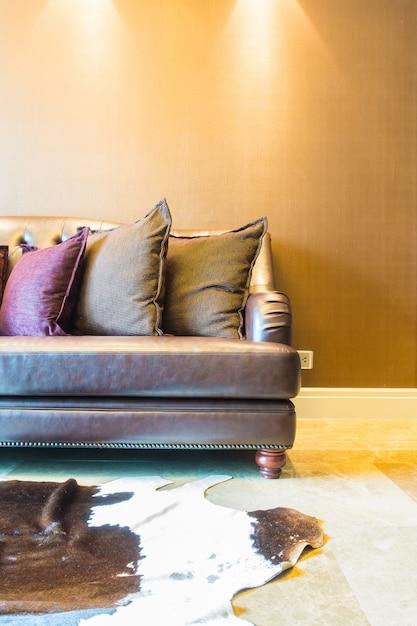 Cuscino sul divano scaricare foto gratis - Chiavata sul divano ...