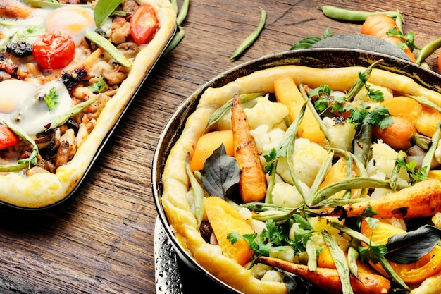 Deliziosa pizza fresca Foto Premium