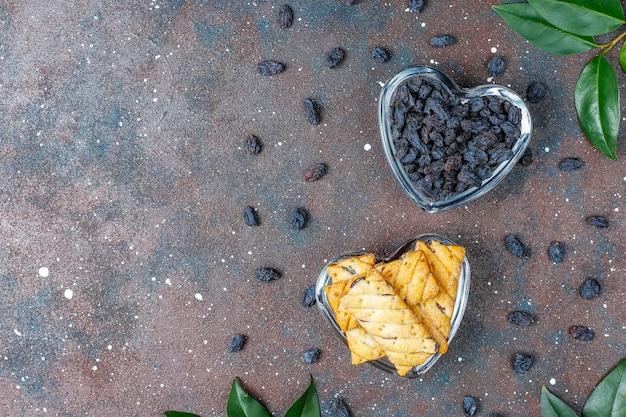 Deliziosi biscotti con uvetta Foto Gratuite