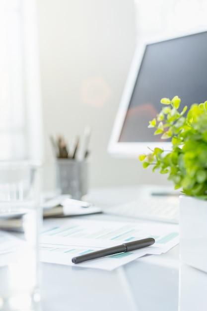 Desktop di office astratto Foto Gratuite