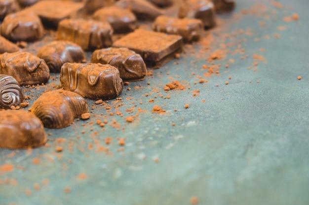 Dessert dolce con cioccolato fondente Foto Gratuite
