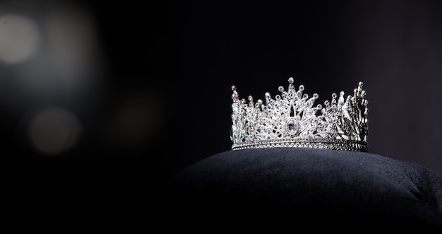 Diamond silver crown per miss pageant beauty contest Foto Premium