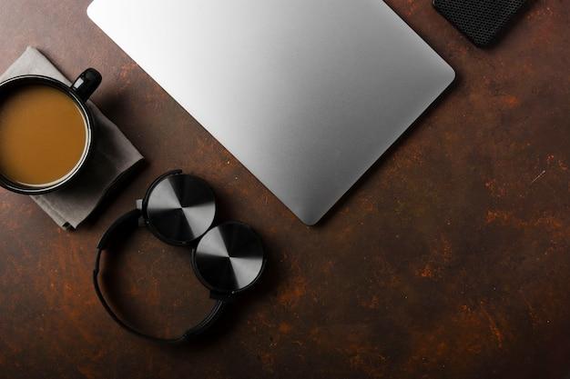 Disposizione piana del concetto dello scrittorio con lo spazio della copia Foto Gratuite