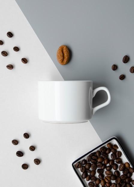 Disposizione piatta con tazza di caffè mock-up Foto Gratuite