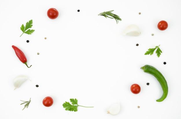Diverse erbe e spezie per cucinare Foto Gratuite
