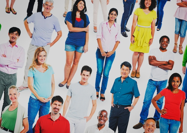 Diverso concetto di comunicazione della folla della comunità della gente Foto Premium