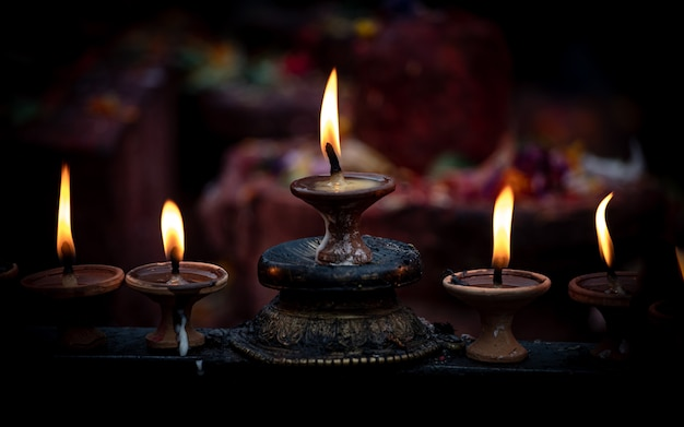 Diwali a lume di candela a kathmandu, nepal. Foto Premium