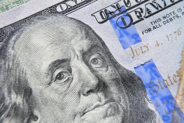 Dolar usa franklin osserva la macro. Foto Premium