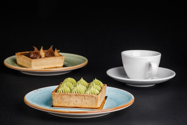 Dolci e tè gustosi Foto Premium