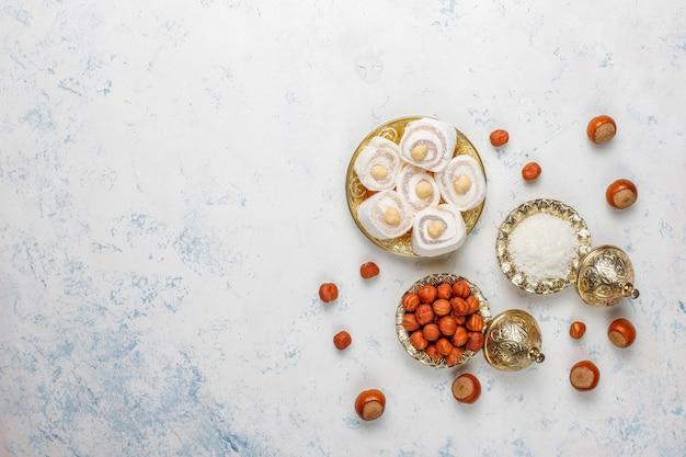 Dolci orientali. delizia turca, lokum con noci, vista dall'alto. Foto Gratuite