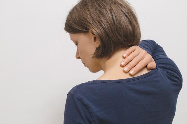 Dolore all'articolazione cervicale in una donna Foto Premium