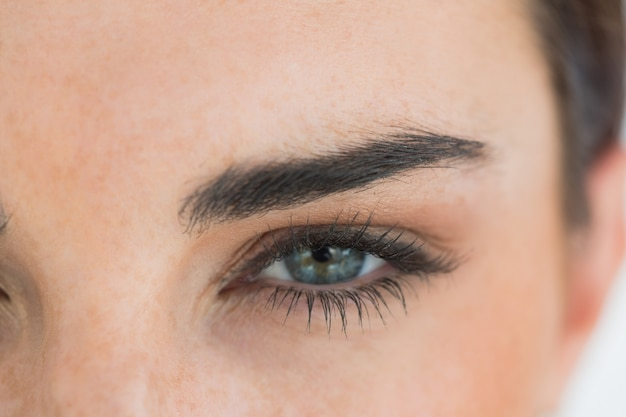 Donna con gli occhi azzurri Foto Premium