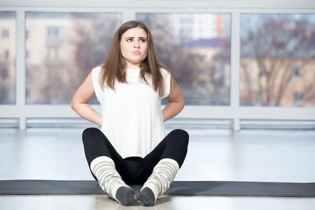 Donna con il mal di schiena - Foto Gratis