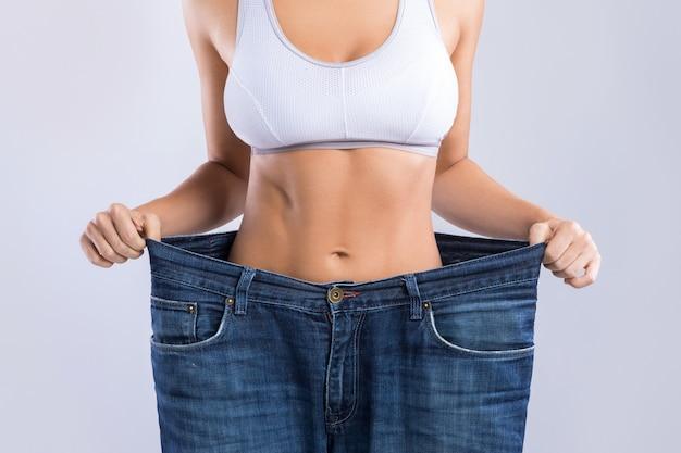 Donna dopo perdita di peso Foto Premium