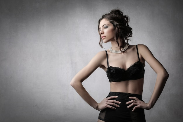 Donna elegante in lingerie Foto Premium