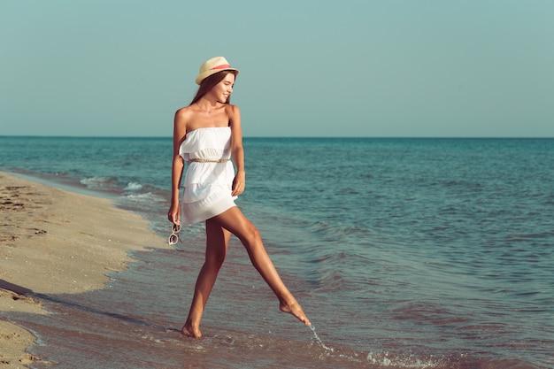 Donna vacanze estive Foto Premium