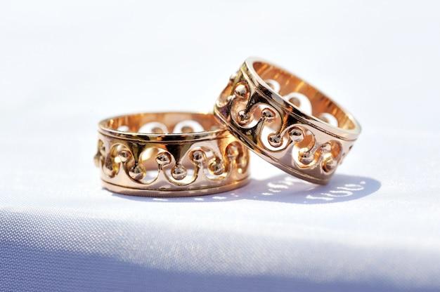 Due anelli di nozze si chiudono Foto Premium