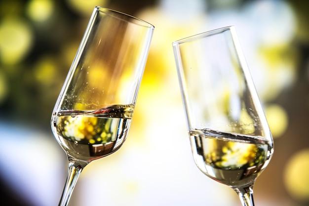 Due bicchieri di spumante Foto Gratuite