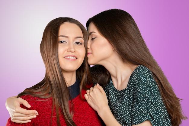 Due donne pettegolezzi Foto Premium