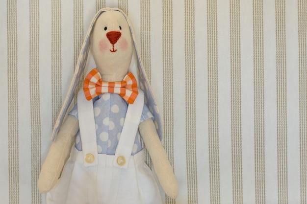 Easter bunny rabbit, giocattolo domestica Foto Premium
