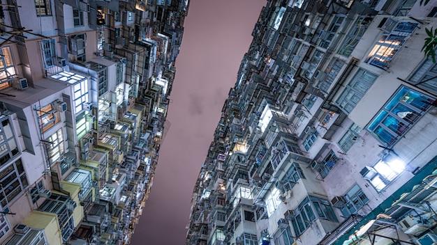 Edificio di residentail a hong kong Foto Premium