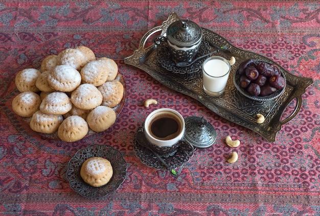 Eid musulmano dolce kahk. dolci arabi per il ramadan e l'eid. Foto Premium