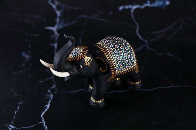 Elefante, intaglio, artigianato fatto a mano Foto Premium