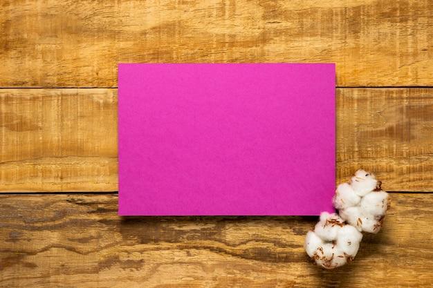 Elegante busta per invito matrimonio rosa Foto Gratuite