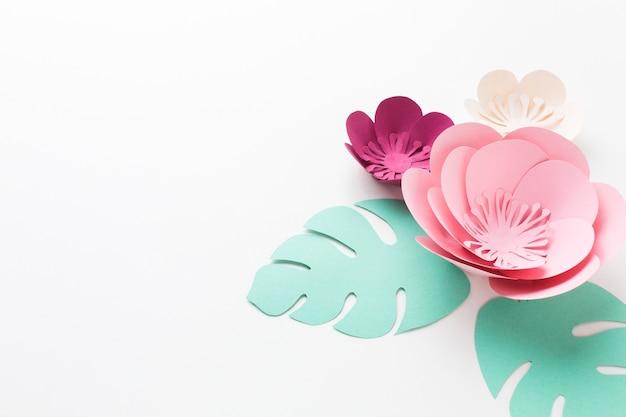 Elegante copia su carta floreale Foto Gratuite