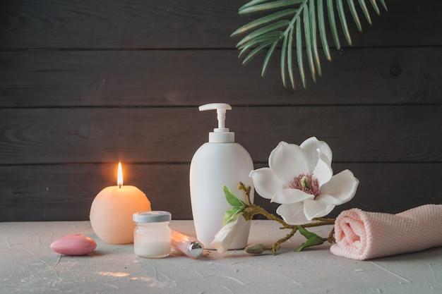 Elementi naturali per spa con candele Foto Gratuite