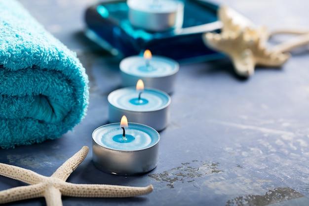 Elementi spa con asciugamano Foto Premium