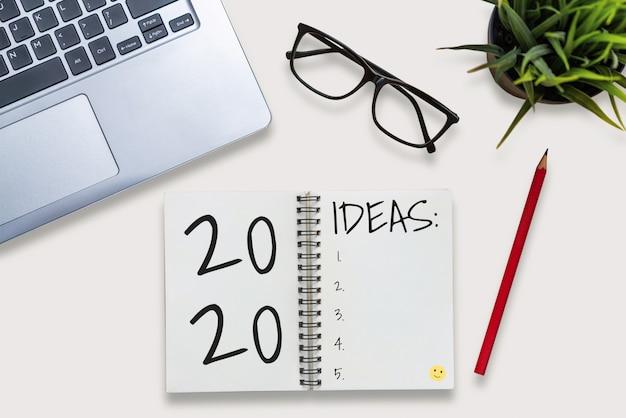 Elenco degli obiettivi per la risoluzione del nuovo anno 2020 impostazione degli obiettivi Foto Premium