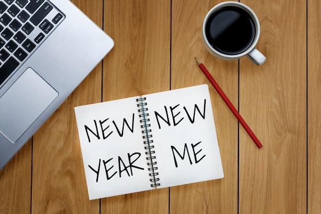 Elenco degli obiettivi per la risoluzione del nuovo anno Foto Premium