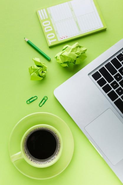 Elenco di cose da fare e disposizione del caffè Foto Gratuite