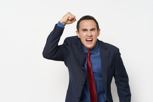 Emozioni di uomo d'affari vestito su diversi Foto Premium