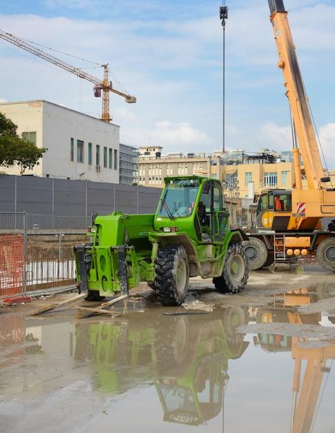 Escavatore verde Foto Premium