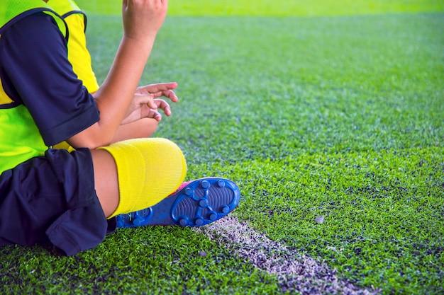Esercitazioni di calcio giovanile con trapano. trapani da calcio: trapano da slalom. Foto Premium